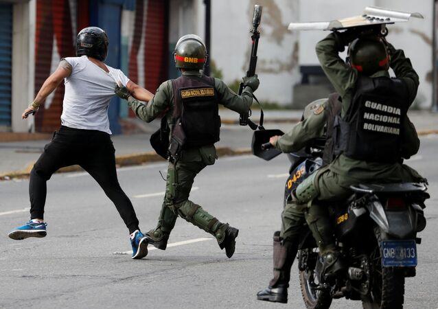Enfrentamientos en Caracas