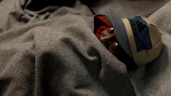 Un migrante en Italia (imagen referencial) - Sputnik Mundo