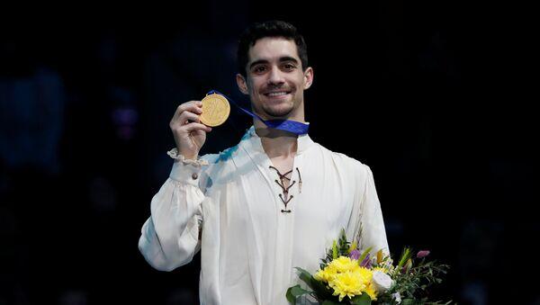 Javier Fernández tras ganar el Campeonato de Europa en el patinaje artístico - Sputnik Mundo