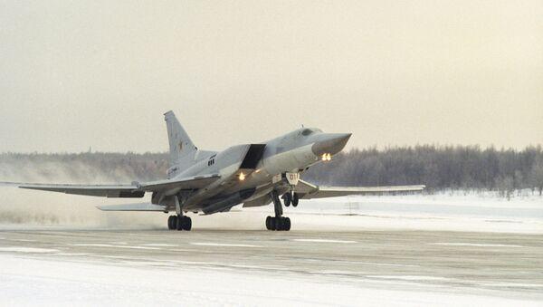 Un bombardero supersónico ruso Tu-22M3 - Sputnik Mundo