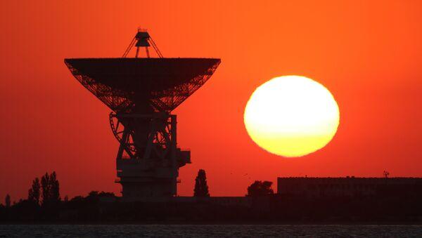 Radiotelescopio P-2500 en Crimea - Sputnik Mundo