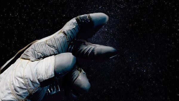 La mano del astronauta - Sputnik Mundo