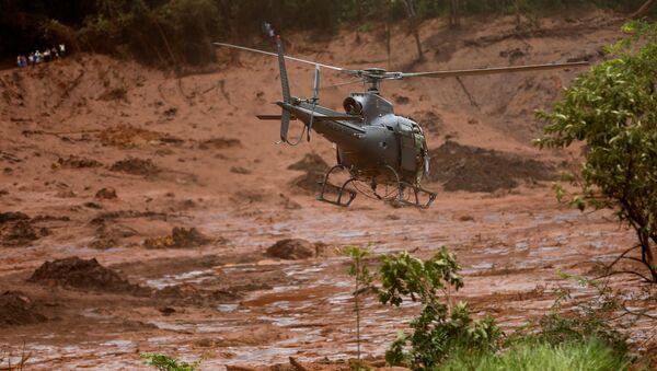 Búsqueda de víctimas en la región de Brumadinho, Brasil - Sputnik Mundo