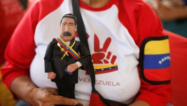 Una muñeca del presidente de Venezuela, Nicolás Maduro - Sputnik Mundo