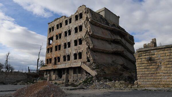 Edificio destruido en Alepo, Siria - Sputnik Mundo