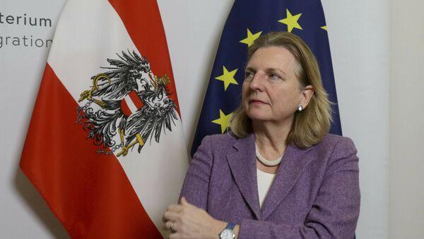 Karin Kneissl, la ministra austriaca de Exteriores - Sputnik Mundo