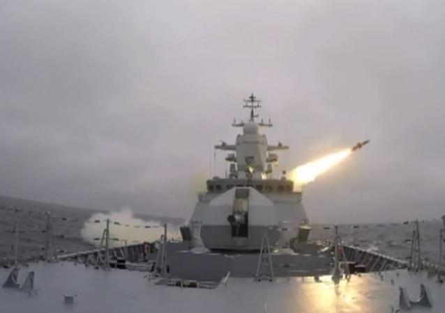La corbeta rusa Stoiki prueba con éxito el misil Kh-35