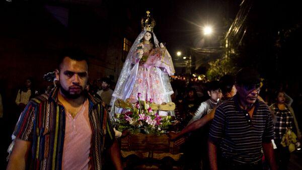 Una de las procesiones en el pueblo de la Candelaria, en Ciudad de México, el día de su santa patrona. - Sputnik Mundo