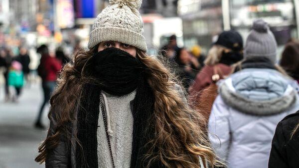 Temblando de frío: un invierno fuera de lo normal recorre EEUU - Sputnik Mundo