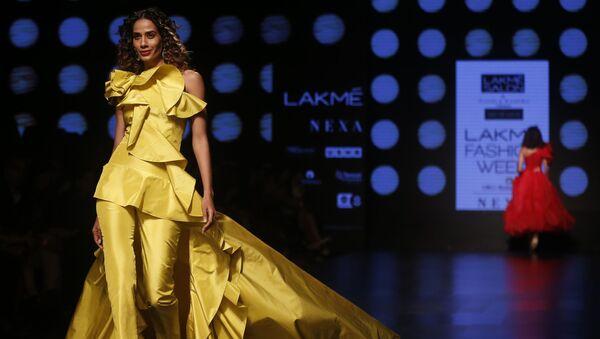 Oriente sensual: Bombay alberga un colorido desfile de modas - Sputnik Mundo