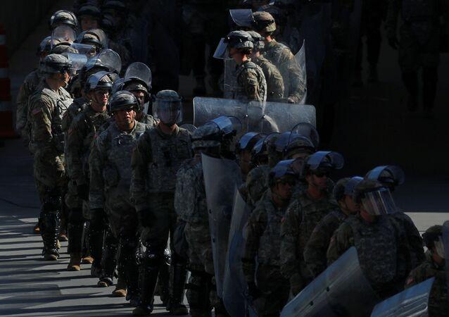 Tropas de EEUU en la frontera con Mexico, tras la realización de un simulacro (archivo)