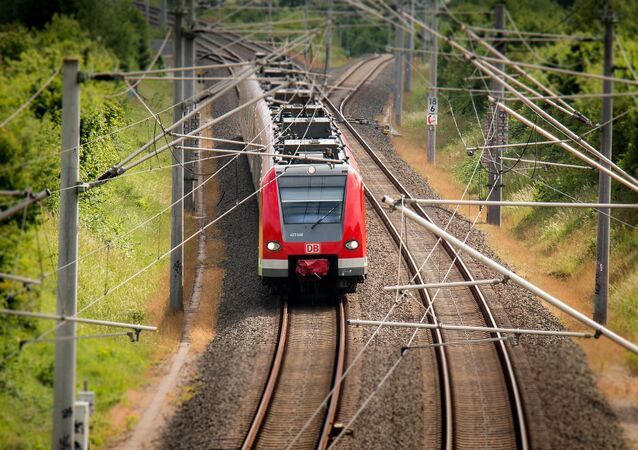 Tren, catenarias