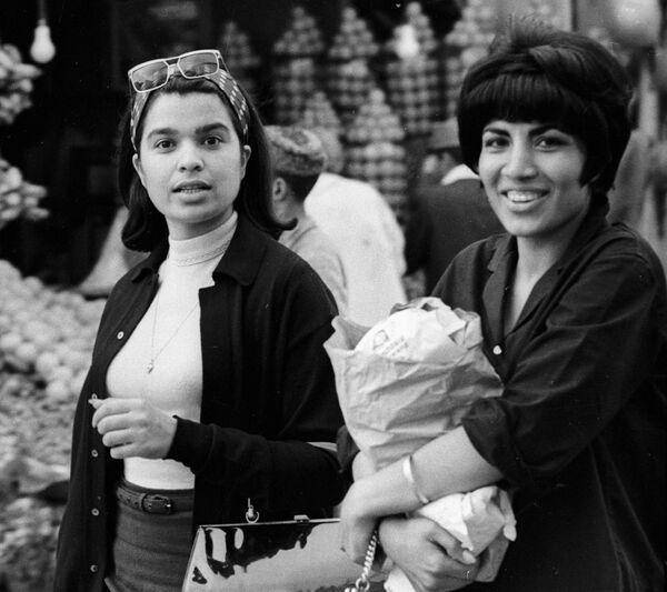 ¿Hiyab? ¿Cuál hiyab?: un Oriente Medio muy distinto al actual - Sputnik Mundo