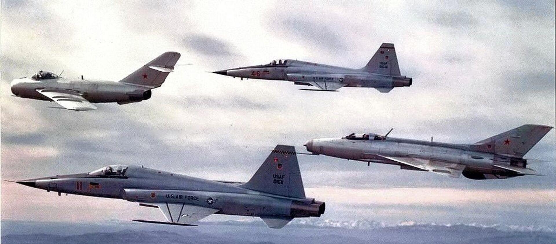 Aviones de la Escuadra de Evaluación Táctica 4477 - Sputnik Mundo, 1920, 08.02.2019