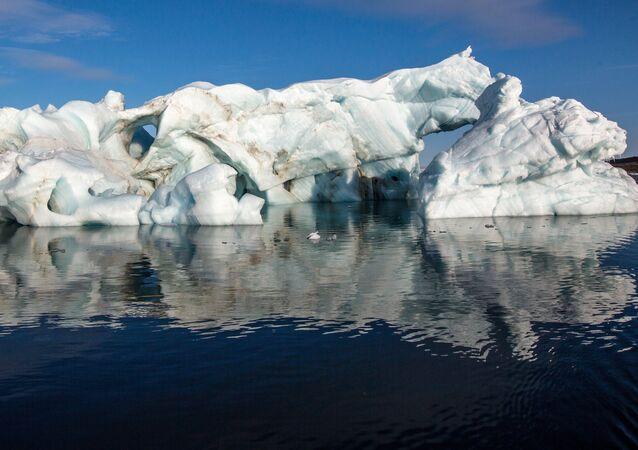 Hielo en el Ártico (imagen referencial)