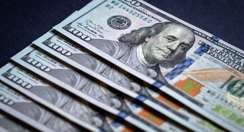 Dólares estadounidenses