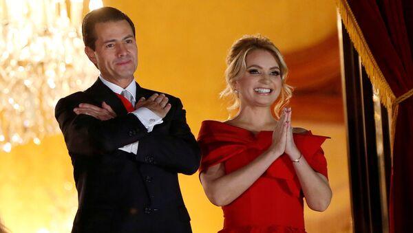 Enrique Peña Nieto y Angélica Rivera - Sputnik Mundo