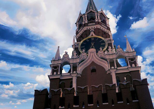 La torre Spásskaya del Kremlin de Moscú