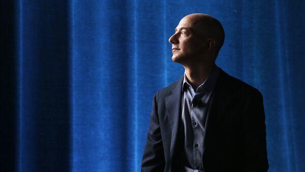 Jeff Bezos, propietario de Amazon  - Sputnik Mundo