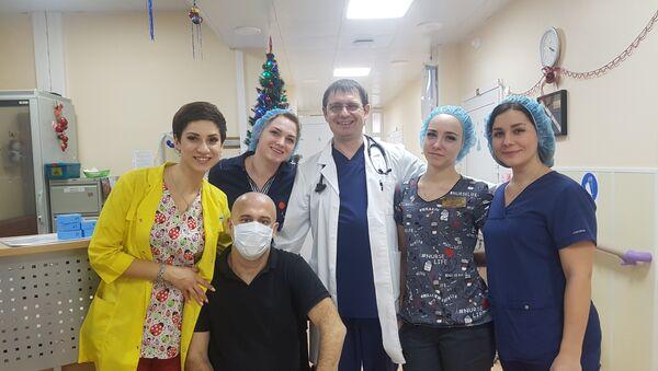 Damien Gerace, en la clínica hematológica - Sputnik Mundo