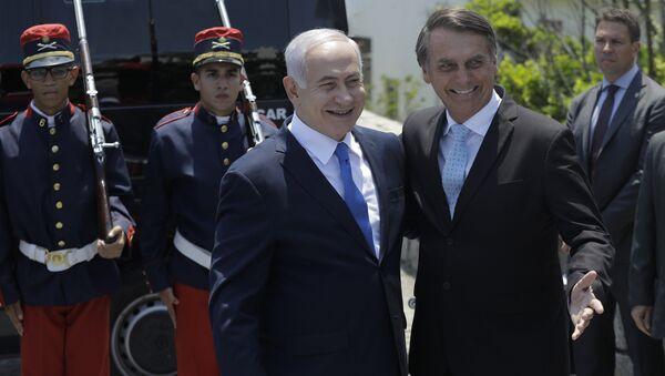 El primer ministro israelí, Benjamín Netanyahu,es recibido por el presidente electo de Brasil, Jair Bolsonaro - Sputnik Mundo