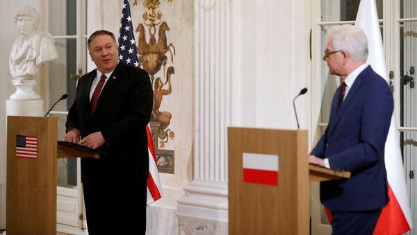 El secretario de Estado norteamericano, Mike Pompeo, y el jefe de la diplomacia polaca, Jacek Czaputowicz - Sputnik Mundo