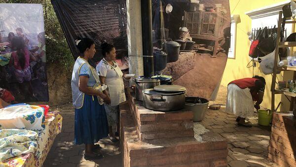 Un grupo de cocineras indígenas - Sputnik Mundo