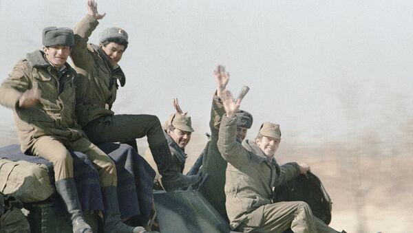 Momento histórico: 30 años de la retirada de tropas soviéticas de Afganistán - Sputnik Mundo