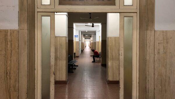 Un pasillo del hospital Eva Perón, en San Martín, provincia de Buenos Aires - Sputnik Mundo