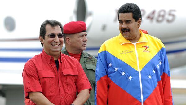 El hermano mayor del fallecido expresidente de Venezuela, Hugo Chávez, Adán Chávez, y presidente de Venezuela, Nicolás Maduro (archivo) - Sputnik Mundo