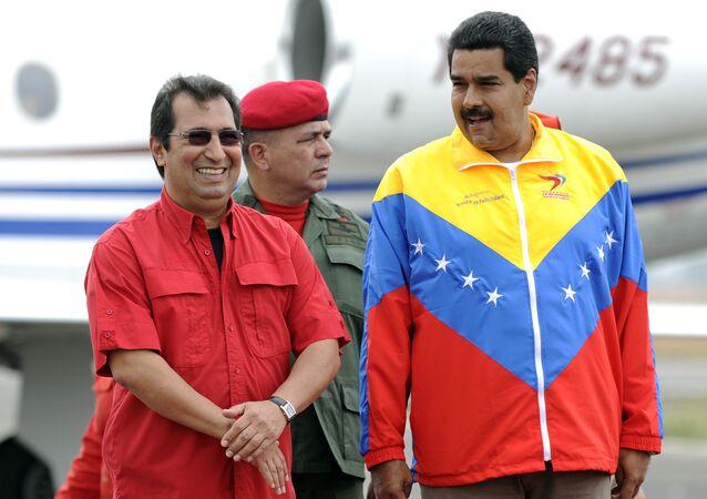 Miembro de la Asamblea Nacional Constituyente, Adán Chávez, y presidente de Venezuela, Nicolás Maduro (archivo)