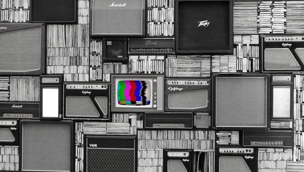 Una televisión de color (imagen referencial) - Sputnik Mundo
