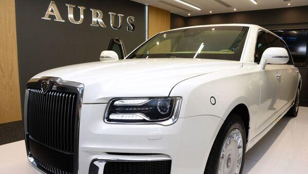 Made in Russia: la limusina de lujo Aurus 'sale de la sombra' en Abu Dabi - Sputnik Mundo