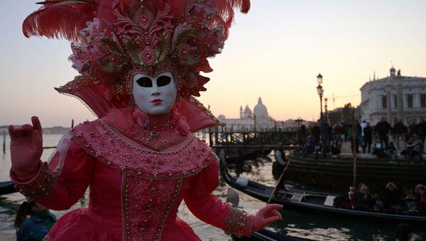Carnaval de Venecia: desfile de barcos, festival de Marías y 'vuelo del ángel' - Sputnik Mundo