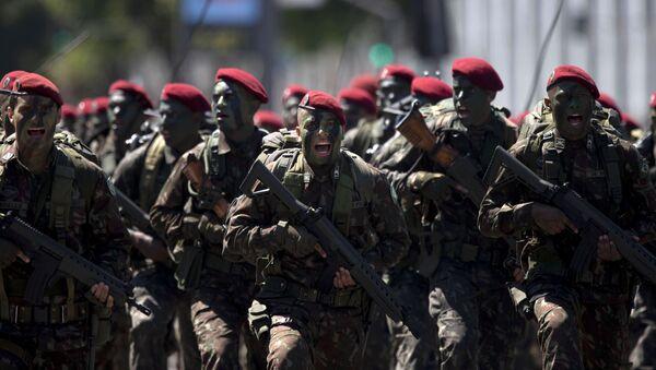 Soldados de las Fuerzas Armadas de Brasil - Sputnik Mundo