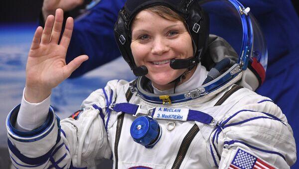La astronauta estadounidense Anne McClain - Sputnik Mundo