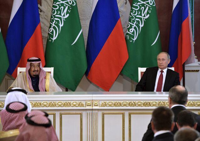 El rey de Arabia Saudí, Salmán bin Abdulaziz, y el presidente ruso, Vladímir Putin