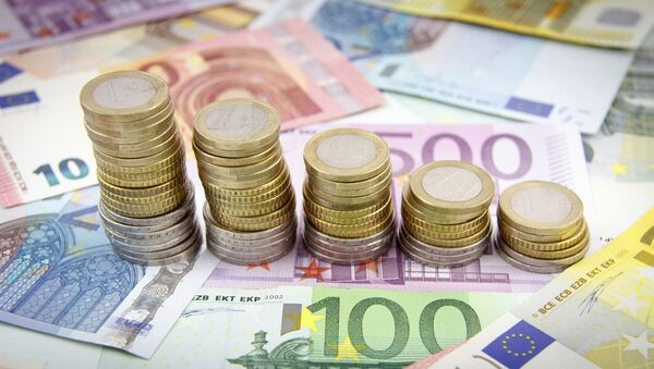 Monedas y billetes de euros - Sputnik Mundo