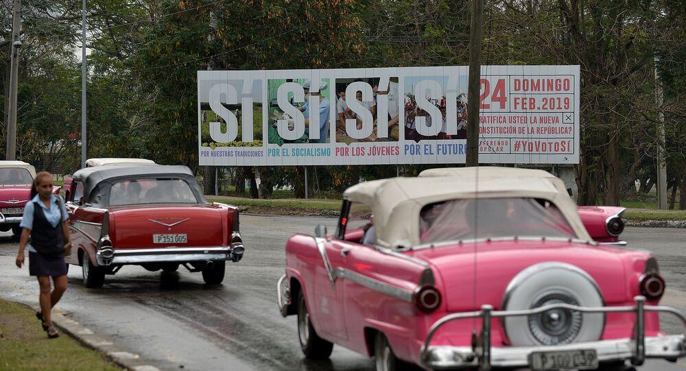 Cartel en La Habana convoca a los cubanos a votar Sí por la nueva Constitución