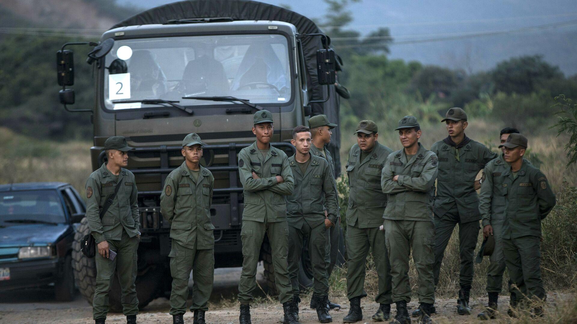 Militares venezolanos en la frontera con Colombia - Sputnik Mundo, 1920, 02.03.2020