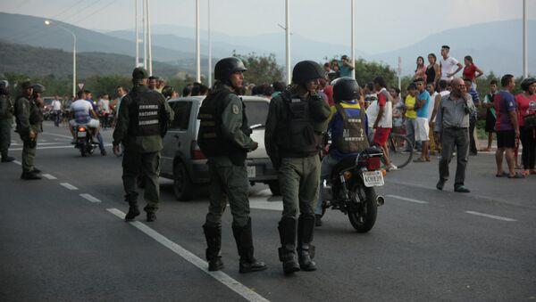 Militares en la frontera entre Colombia y Venezuela - Sputnik Mundo