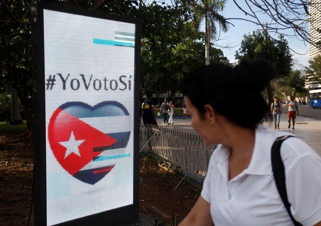 Un cartel del referéndum constitucional en Cuba