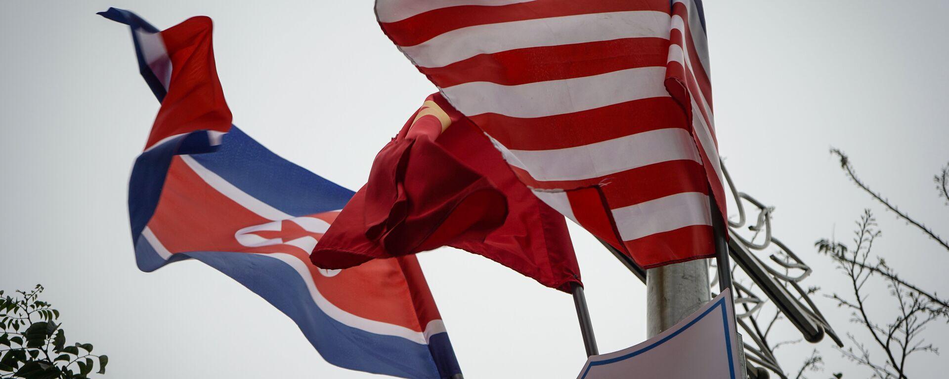 Banderas de Corea del Norte y EEUU en Hanói - Sputnik Mundo, 1920, 22.06.2021
