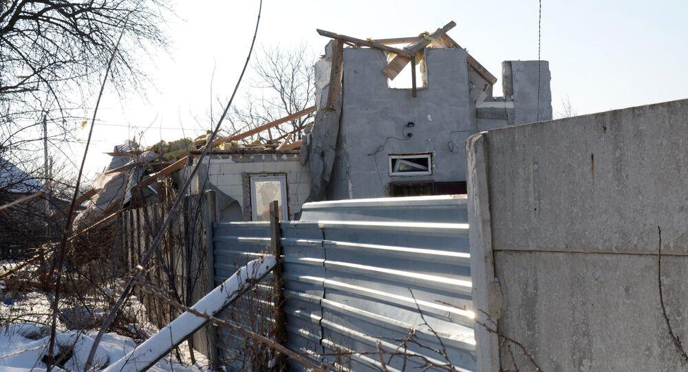 Edificios destruidos en Makéevka, Donbás (archivo)