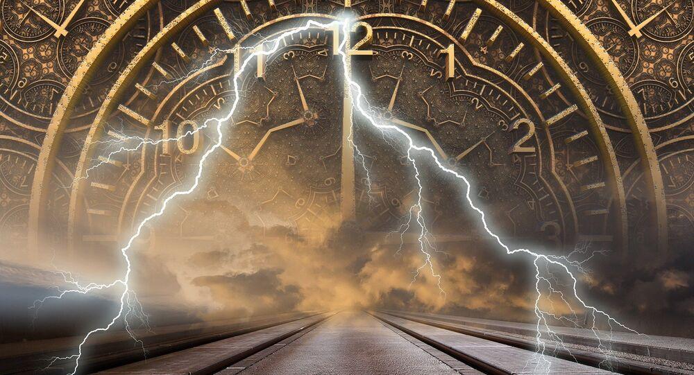 Reloj y los relámpagos (imagen referencial)