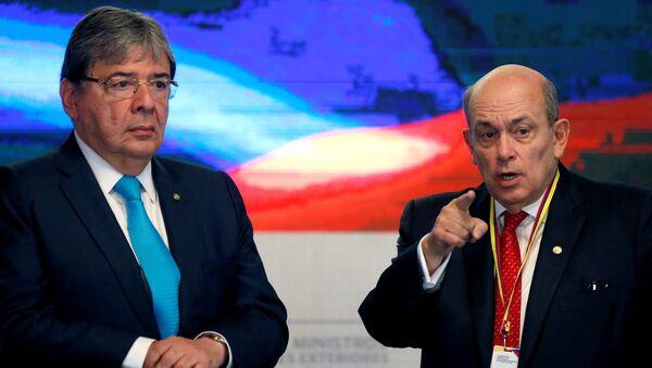 El Ministro de Relaciones Exteriores de Colombia, Carlos Holmes Trujillo, y el Viceministro de Relaciones Exteriores de Perú, Hugo de Zela, en la reunión del Grupo de Líma - Sputnik Mundo