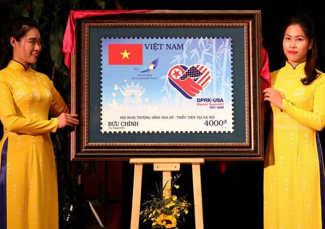 Sello postal emitido por Vietnam en honor a la segunda cumbre de EEUU y Corea del Norte en Hanói