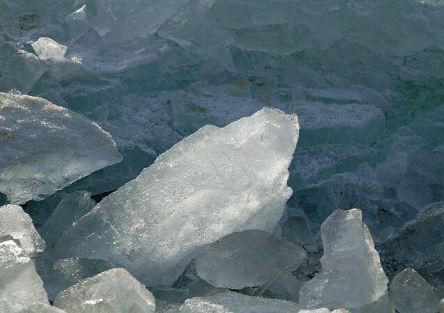 Trozos de hielo, referencial