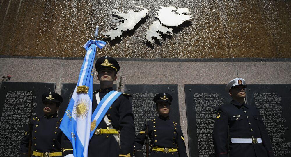 Un homenaje a los caídos argentinos en Malvinas