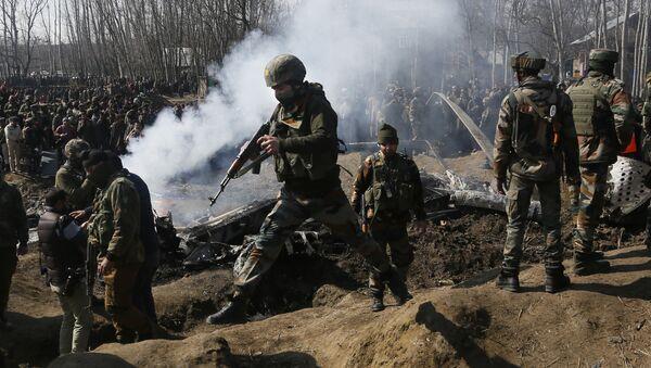 Militares indios en Cachemira - Sputnik Mundo